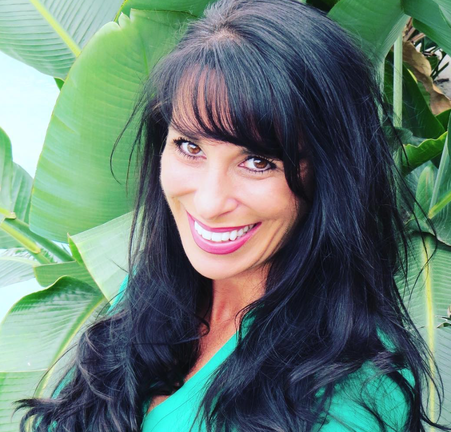 Confessions from a Former Big Pharma Rep – Vanessa's Journey from Pill Pusher to Plant-Based Healer